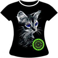 Женская футболка с котенком